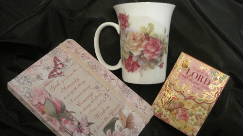 rose-coffee-cup-prize-package_robin
